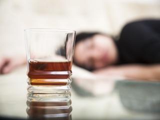 فوت 320 نفردر کشور به دلیل مصرف مشروبات الکلی