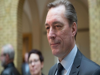 وزیر دفاع نروژ از بیم کرونا قرنطینه شد