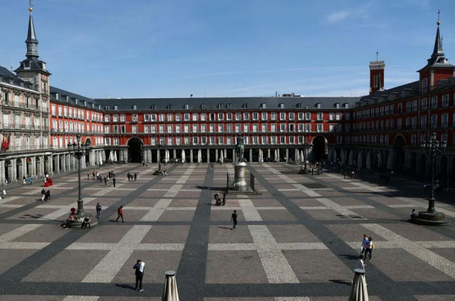 خلوت شدن اماکن گردشگری مرکز شهر مادرید اسپانیا