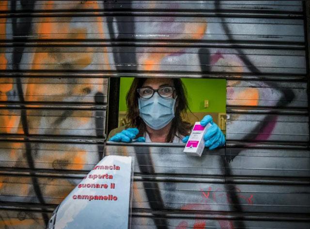نحوه فعالیت یک داروخانه در شهر میلان ایتالیا