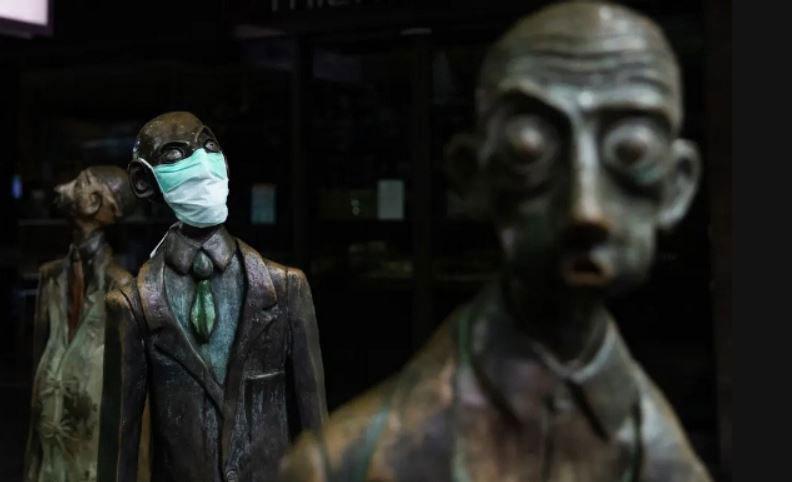 ماسک زدن به مجسمهها در شهر ملبورن استرالیا