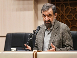 محسن رضایی : امنیت ملی ایران تهدید شود پایگاههای آمریکا را هدف قرار میدهیم