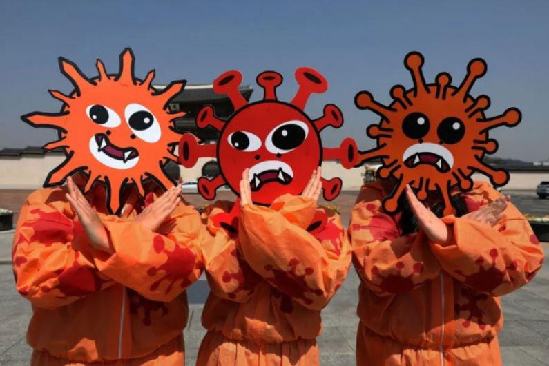 حضور فعالان کره جنوبی در یک کمپین پیشگیری از کرونا در شهر سئول کره جنوبی