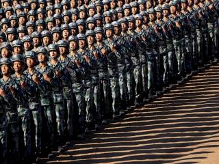ارتش چین : 10 هزار سرباز برای تامین امنیت هنگ کنگ در آمادهباش هستند