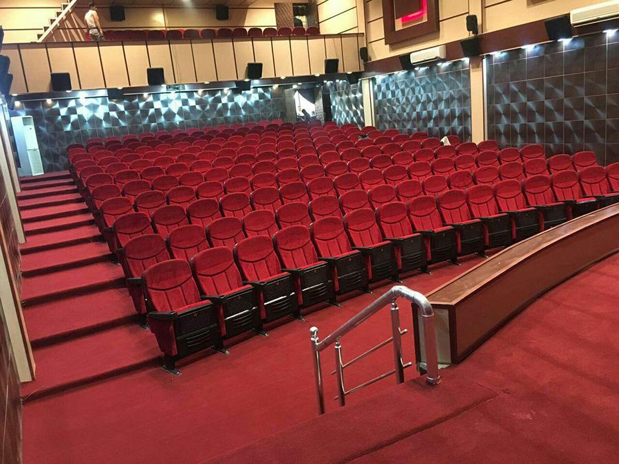 سینماها در شهرهای سفید بازگشایی می شوند - Cinemas reopen in white cities