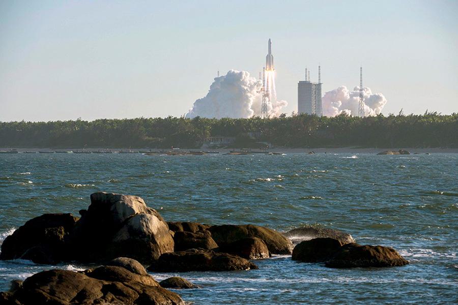 پرتاب موشک از محل پرتاب Wenchang در جزیره Hainan جنوبی چین