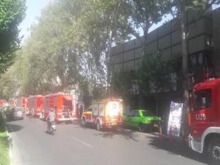 آتشسوزی سینما در بلوار کشاورز تهران