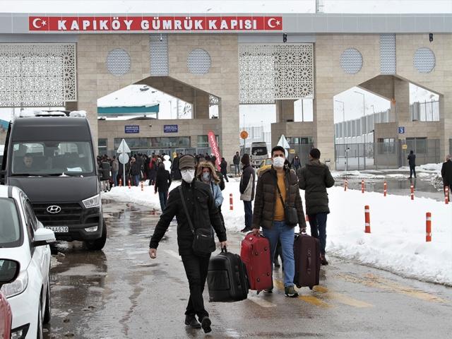 رفت و آمد مسافران ایرانی به ترکیه آزاد نشده است