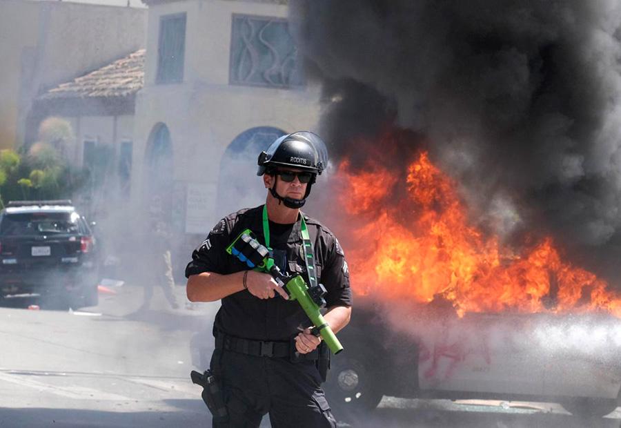 تا امروز 5 نفر در اعتراضات آمریکا کشته شدهاند - five people have been killed in protests in the United States