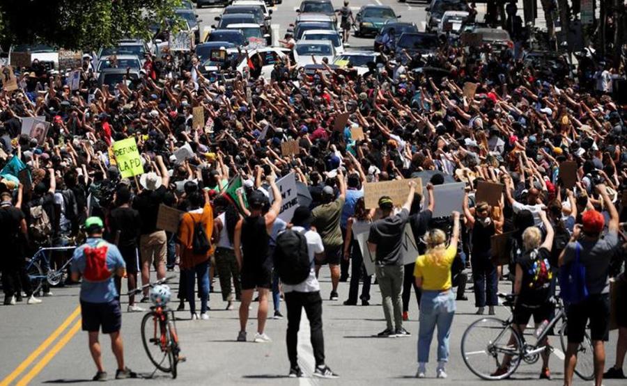 تظاهرات ضدنژادپرستی در شهر لسآنجلس در ایالت کالیفرنیا آمریکا