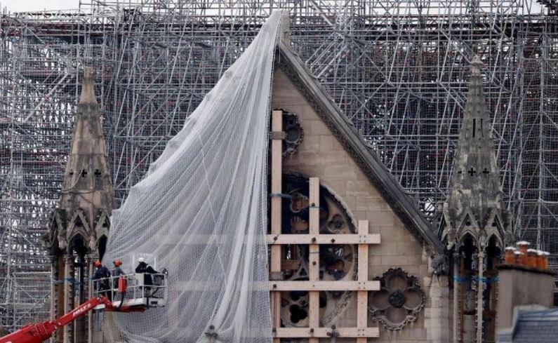 عملیات بازسازی کلیسای جامع نوتردام در پاریس