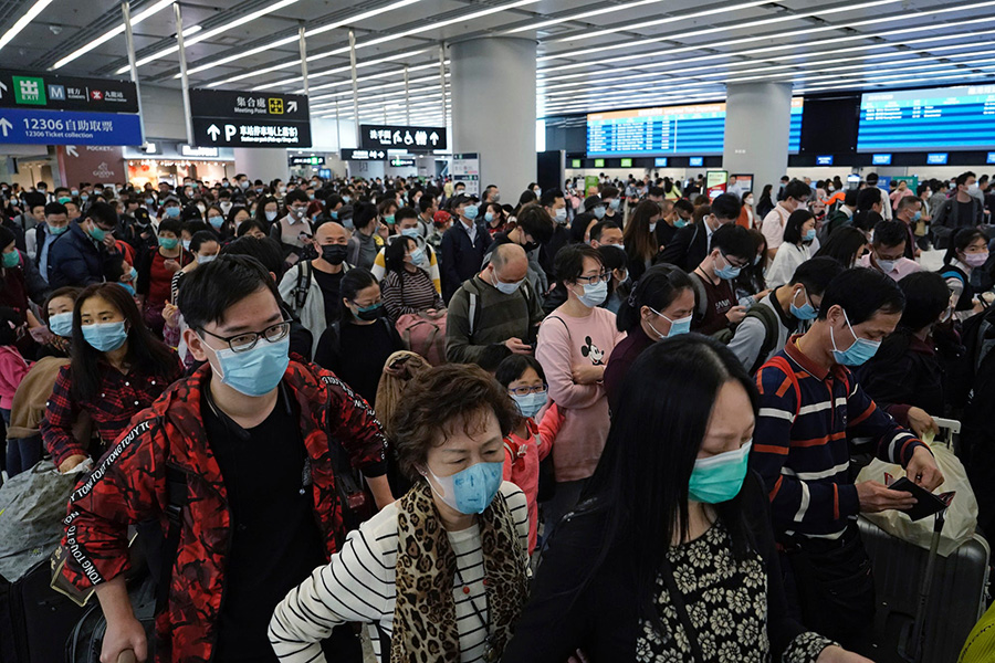 چرا پوشیدن ماسک در کاهش انتشار کروناویروس موثر است-Why wearing a mask is effective in reducing the spread of coronavirus