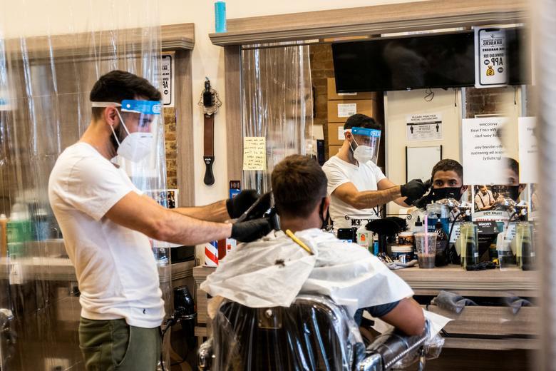 بازگشایی آرایشگاهها در شهر نیویورک آمریکا