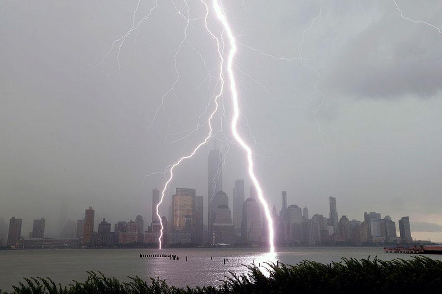 صاعقه در شهر نیویورک