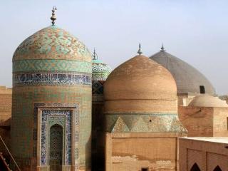 4 مرداد ، بزرگداشت شیخ صفی الدین اردبیلی ( استقرار سلسله صفویه )