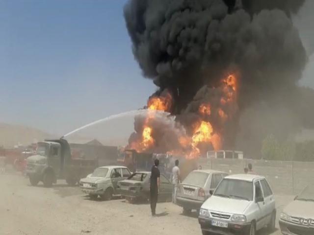 انفجار مخزن سوخت در منطقه صنعتی شهرک دولت آباد کرمانشاه