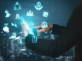 ابزارهای مالی آنلاین از خود بانک ها هم به ما نزدیکترند