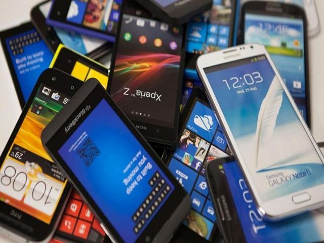 قیمت گوشی در بازار به دلیل ایجاد رقابت کاهش یافت