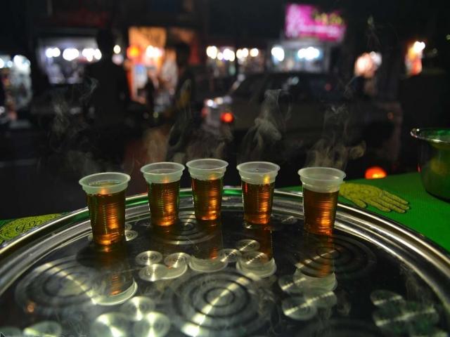 آشنایی با انواع نوشیدنی های نذری در ایام محرم