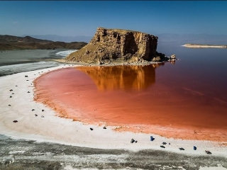 4 دریاچه ی زیبا در ایران که باید حتما بشناسید!