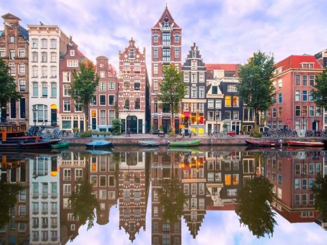 آمستردام، شهری زیر سطح دریاست، چطور هنوز ناپدید نشده؟