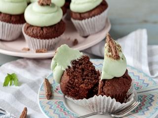 طرز تهیه کاپ کیک شکلاتی بدون فر ؛ یک شیرینی خانگی خوشمزه