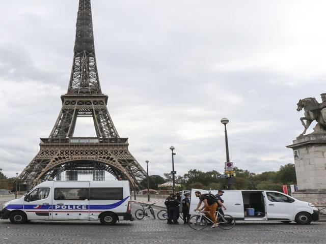 شنیده شدن صدای انفجاری مهیب در پاریس