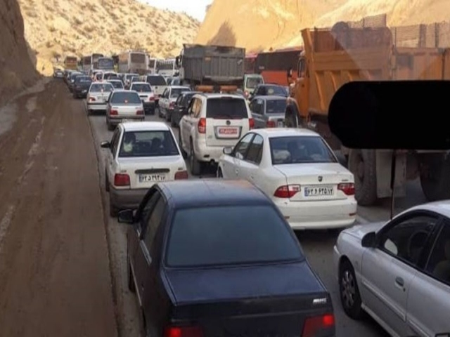 جلوگیری از حضور زائران در مرزها / جریمه در انتظار خودروهایی که به مرزها می روند
