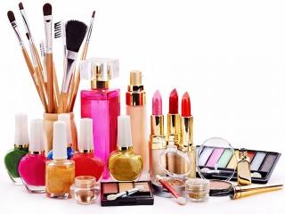 ویروس کرونا ، مصرف لوازم آرایش را هم کم کرده است