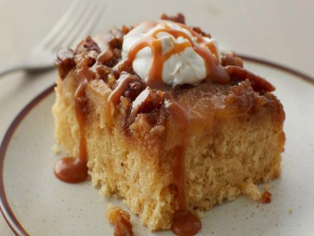 کیک سیب داغ ؛ یک کیک لذیذ پاییزی