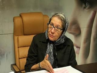 واکنش مینو محرز به مراسم چند هزار نفری در مشهد: فقط میتوانم بگویم متاسفم!
