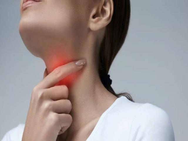 ویروس کرونا به تارهای صوتی آسیب می زند