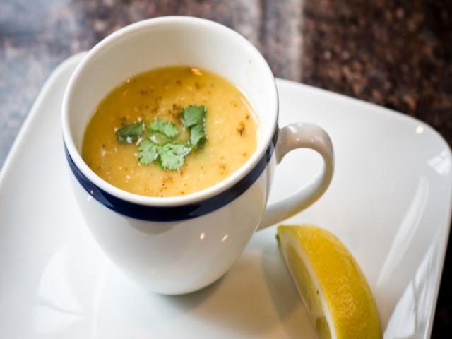 سوپ عدس لبنانی ؛ مخصوص روزهای سرد پاییزی